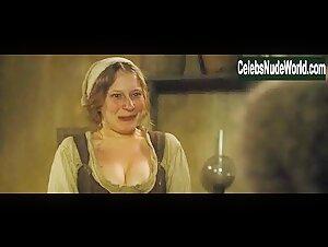 Dumas nackt valérie Valerie Dumas